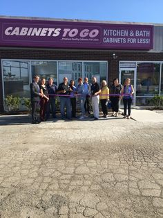 Welcome our newest Cabinets To Go store in Schaumburg, IL. Come in and see our friendly and energetic staff who are waiting to design your dream kitchen today!