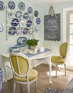 vision for my blue and white antique plate collection. Dining room, breakfast nook, delft blue, color palette, plate wall.