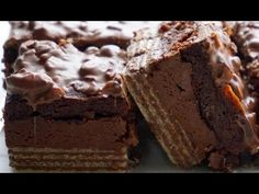 Chocolate wafer base, nutella centre, brownie layer, chocolate-almond coat. Basically a brownie version of a year-round suitable celebration candy. I KNOW. I...