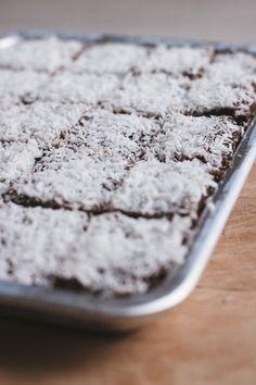 Raw Kärleksmums Raw Dessert Recipes, Sweets Recipes, Desert Recipes, Raw Food Recipes, Snack Recipes, Heathy Treats, Yummy Snacks, Delicious Desserts, Vegan Sweets