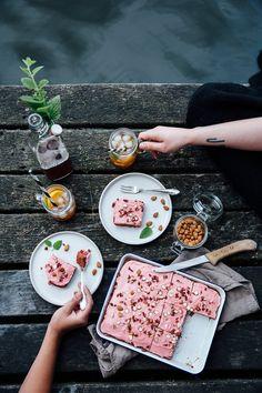 GUEST POST: BEETROOT CAKE WITH DATE SUGAR BY OUR FOOD STORIES / GÄSTINLÄGG: RÖDBETSKAKA MED DADELSOCKER AV OUR FOOD STORIES