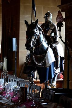 Horse in the parlor?: Warwick Castle
