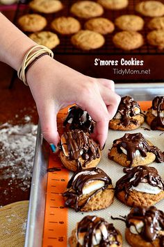 No need to stand over a campfire with these S'mores Cookies at TidyMom.net