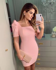 Discover recipes, home ideas, style inspiration and other ideas to try. Cute Dresses, Casual Dresses, Fashion Dresses, Formal Dresses, Classy Outfits, Cute Outfits, Gossip Girl Fashion, Pink Shorts, The Dress