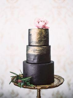 Florentine cake stand setup