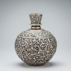 Kashmiri silver globular vase Vintage Silver, Antique Silver, Ancient Artefacts, Clay Studio, Work Inspiration, Antiquities, Ottomans, Islamic Art, Flatware