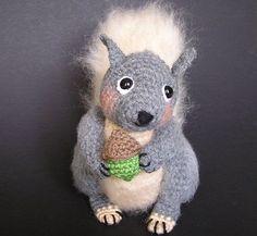 SIDNEY SQUIRREL Pdf Crochet pattern.