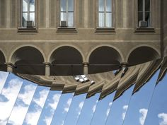 COS and Phillip K. Smith III Unfolds the Milanese Sky in a Reflective Mirror Installation - Design Milk