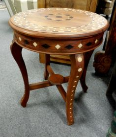 Round end table www.a2zvintage.com