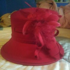 Red Church Hat In excellent condition. Accessories Hats