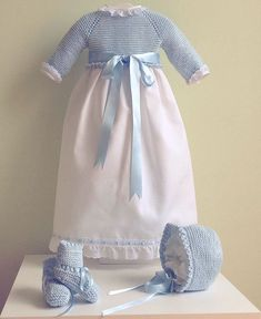Tricot Baby, Christening Outfit, Knit Baby Sweaters, Bebe Baby, Heirloom Sewing, Baby Knitting, Baby Dress, Baby Kids, Kids Outfits