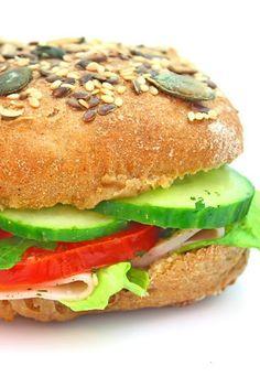 Sándwich vegetal: ¡qué buena pinta! ¡Aunque un poquito de mayonesa no le hace daño a nadie!
