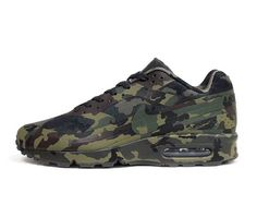 "New phoyos of Nike's Air Max Camouflage Collection. Specifically the Nike Air Classic BW ""France"". Me Too Shoes, Men's Shoes, Shoe Boots, Roshe Shoes, Nike Roshe, Tenis Vans, Look 2015, Nike Free Shoes, Nike Shoes Outlet"