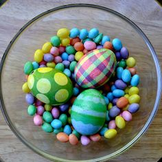 And Puppy Makes Three: Creative, Dyed Easter Eggs