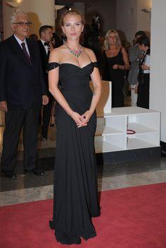 Scarlett Johansson de Versace - Festival Internacional de Cine de Venecia 2013
