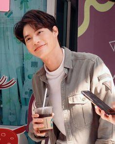 Cute White Boys, Pretty Boys, Asian Actors, Korean Actors, Bright Pictures, Cute Gay Couples, Thai Drama, I Win, Series 3