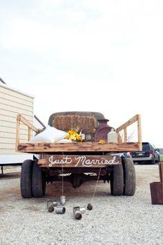 Country chic touch to a rustic wedding! #rusticwedding #weddingideas