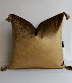 RTS shiny bronze brown velvet throw pillow by KirtamHomeCollection Showroom Design, Curve Design, Textures Patterns, Velvet, Bronze, Throw Pillows, Decorating, Unique Jewelry, Handmade Gifts
