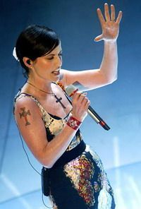 Dolores O'Riordan - The Cranberries Music Love, Rock Music, Rock Artists, Music Artists, Dolores O'riordan, Women In Music, Female Singers, Cranberries, Great Bands