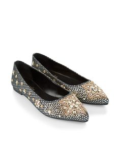 Go for vintage glamour with our Ariana embellished pointed flat shoes, decorated with sparkling crystal gems, beads and metallic embroidery in starburst motifs. Flat, gripped soles make them ideal for 24/7 wear.