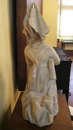 https://flic.kr/p/7rP47H | Retro abito dama francese, statua XV sec