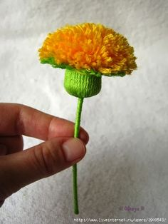 Craft Blog UK: Dandelion Pom Pom... and lions teeth!