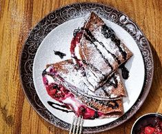 Cheesecake palačinky   Recepty Albert Czech Recipes, Ethnic Recipes, Cheesecake, Sweets, Gummi Candy, Cheesecakes, Candy, Goodies, Cherry Cheesecake Shooters