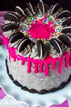 This Birthday Cake Oreo Cake just screams PARTY! Layers of dark chocolate and Funfetti Birthday Oreo cake, filled and frosted with birthday cake Oreo frosting and drizzled with hot pink ganache. This is the ultimate celebration cake! Oreo Dessert, Round Cake Pans, Round Cakes, Cookies Oreo, Oreo Cake Recipes, Oreo Frosting, 20 Birthday Cake, Birthday Gifts, Salty Cake