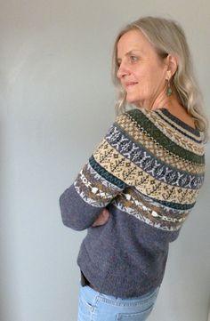 Ravelry: Project Gallery for Lovage pattern by Marie Wallin Ravelry: Project Gallery for Lovage pattern by Marie Wallin Fair Isle Knitting Patterns, Fair Isle Pattern, Knitting Designs, Knit Patterns, Knitting Projects, Punto Fair Isle, Norwegian Knitting, Icelandic Sweaters, Handarbeit