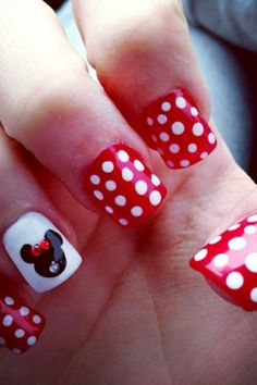 Minnie Mouse nails perfect for Disneyland