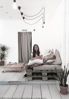 Waxed Coffee shop in Hossegor Relaxation Room, Relax Room, Deco Cafe, Coffee Places, Stores, Vintage Industrial, Free Wifi, Coffee Shop, Minimalism
