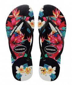 Make every day a luau with cool island style of the new Slim Tropical Floral Sandal from Havaianas! The soothing Slim Tropical Floral Sandal features comfy rubb Floral Flip Flops, Beach Flip Flops, Floral Sandals, Black Sandals, Fashion Sandals, Fashion Boots, Cool Shoes For Women, Shoes Women, Roxy