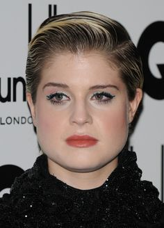 Kelly Osbournes short sculpted hairstyle