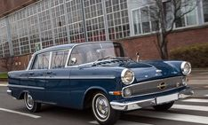 Opel Kapitän: 1959 - 1963 - Bildschön und eindrucksvoll: Der als schnelle Facelift-Version des Vorgängermodells gedachte P 2.6 entwickelte sich zum erfolgreichsten Kapitän-Modell aller Zeiten