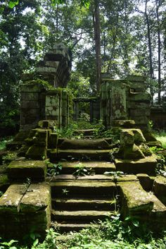 Old forgotten ruins, long since abandoned in the middle of Angkor Wat, Cambodia. #travel #ruins #AngorWat