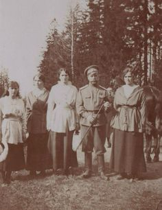 The Tsar and the girls. Captive! 1917.