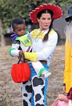 #disfraz #familia #Halloween #family #costumes  Sandra-Bullock