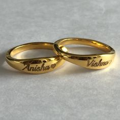 Gold Jewelry Simple, Gold Rings Jewelry, Jewelry Design Earrings, Gold Earrings Designs, Name Jewelry, Antique Jewelry, Gold Ring Designs, Gold Bangles Design, Gold Jewellery Design