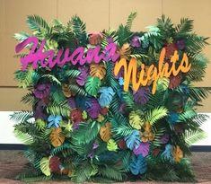 A Comprehensive Overview on Home Decoration - Modern Havanna Nights Party, Havana Nights Party Theme, Havana Party, Luau Theme Party, Moana Birthday Party, Party Themes, Summer Party Decorations, Flower Decorations, Hawaiin Theme
