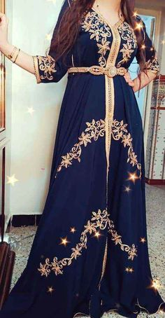 Applis Photo, Caftans, Confirmation, Traditional Dresses, Islam, Photos, Hipster, Dresses With Sleeves, Long Sleeve