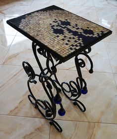 Original coffee table with forged legs decorated with blue glass. Art Furniture, Outdoor Furniture, Outdoor Tables, Outdoor Decor, Drafting Desk, Stool, House Design, The Originals, Interior Design