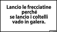 Lancio la frecciatine Words Quotes, Me Quotes, Funny Quotes, Sayings, Midnight Thoughts, Italian Memes, Hate Everyone, Sad Life, Mood Pics