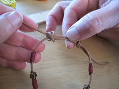 "Tutorial for sliding knots and ""wire beads"""