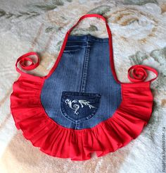 Have a pair of jeans that you no longer love? Here are some ways you can repurpose old jeans and turn them into awesome and handy crafts. Sewing Aprons, Sewing Clothes, Diy Clothes, Jean Crafts, Denim Crafts, Artisanats Denim, Jean Apron, Dog Clothes Patterns, Denim Ideas