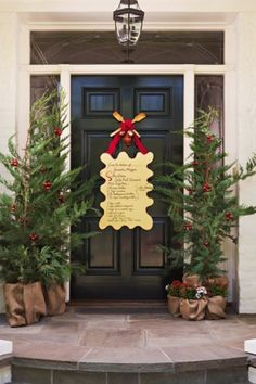 Christmas Door Decorations, Beautiful Christmas Decorating, Pictures and Design by Superduper