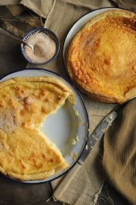 Milktart is a classic South African teatime treat. Here I give all the different pastries and filling options! South African Recipes, Ethnic Recipes, Milk Tart, Great Coffee, Easy Cooking, No Bake Desserts, Tea Time, Stuff To Do, Brunch