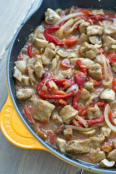 This vegetarian cacciatore recipe is made with seitan instead of chicken. Served over rice or couscous, Seitan Cacciatore makes a filling meatless meal! Tempeh, Tofu, Seitan, Veggie Recipes, Whole Food Recipes, Vegetarian Recipes, Savoury Recipes, Veggie Food, Cacciatore Recipes