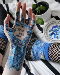 New Body Art Painting Awesome Beautiful Ideas Vincent Van Gogh, Art Actuel, Geometric Tatto, Art Hoe Aesthetic, Aesthetic Body, Aesthetic Painting, Bob Ross, Arte Pop, Old Pictures