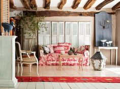 French country shutters pink sofa and recycled window shutters vintage furniture and wood ceiling design french . French Country Exterior, My French Country Home, French Home Decor, French Country Decorating, French Cottage, Country Homes, Country Furniture, French Furniture, Shabby Chic Furniture