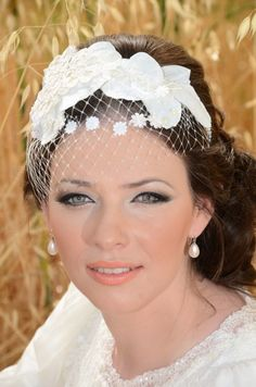 love this makeup and little hat